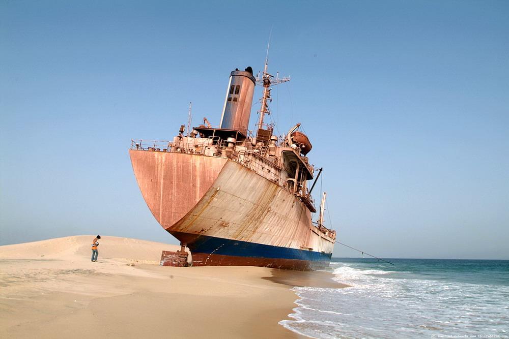 Брошенные и ржавеющие корабли