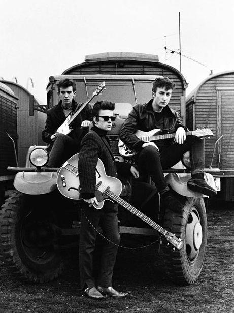 Подборка фотографий Джона Леннона