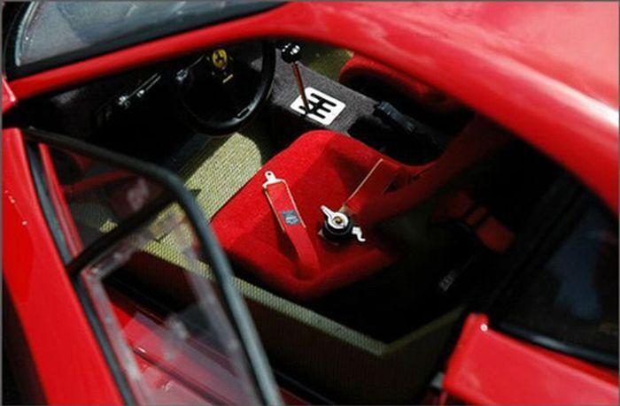 Миниатюрная Копия Ferrari F40