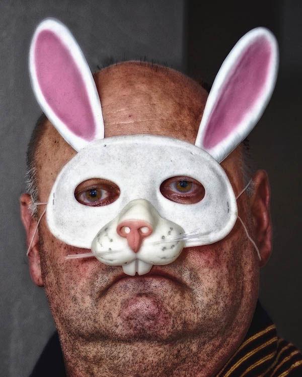 Люди Кролики