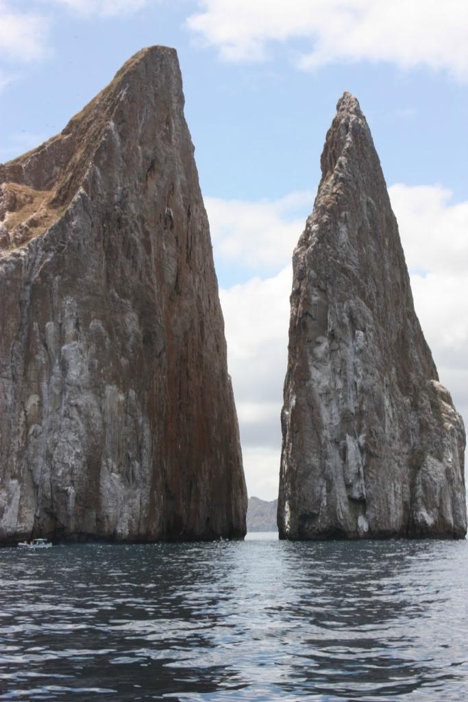 10 самых впечатляющих морских скал