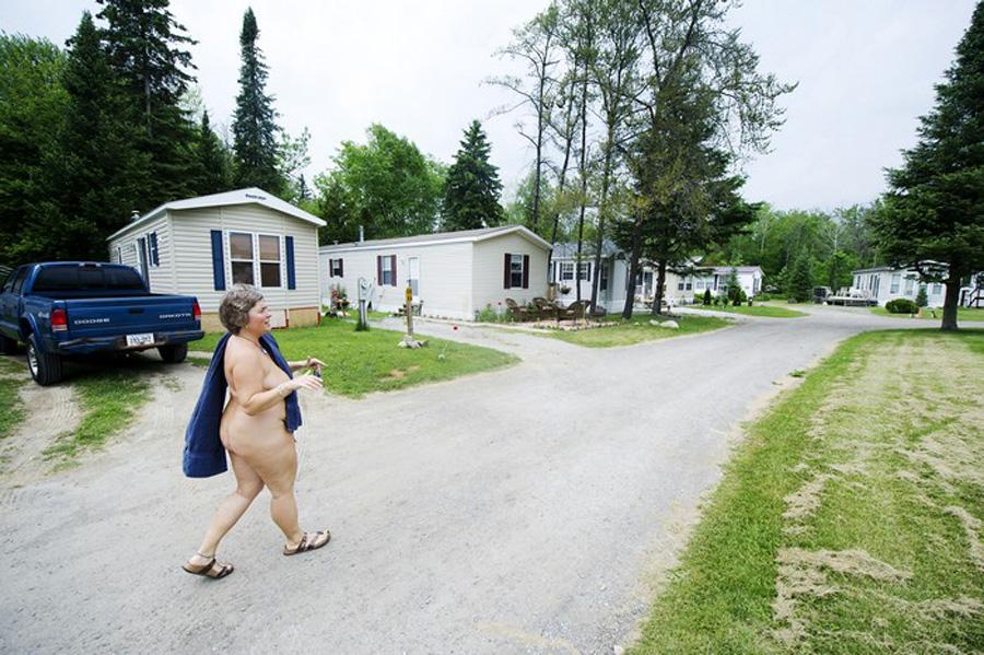 Парк натуристов в Канаде