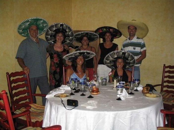 Смешные и странные семейные фотографии