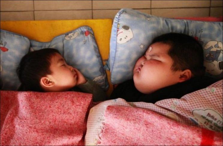 ребенок из Китая весит 60 килограмм