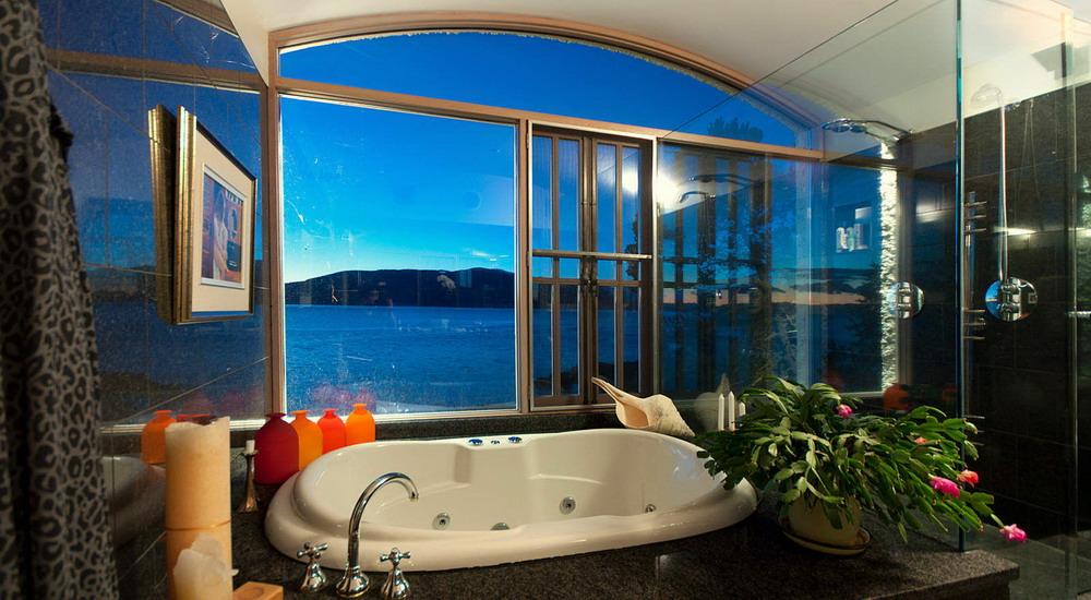 Удивительный Дом у воды