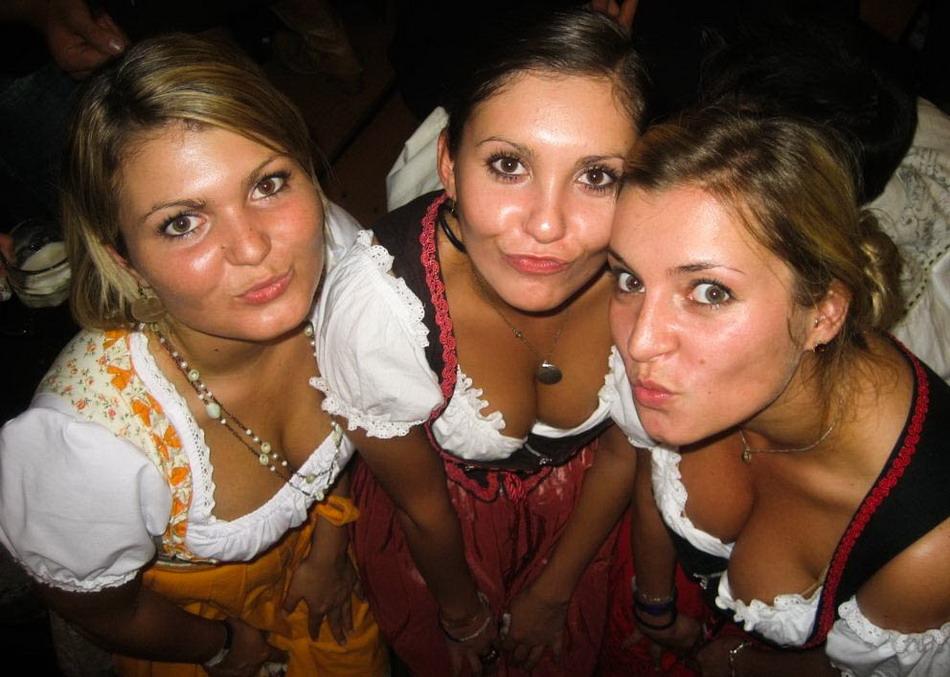 Девушки с Октоберфест Фестиваля 2012 в Мюнхене