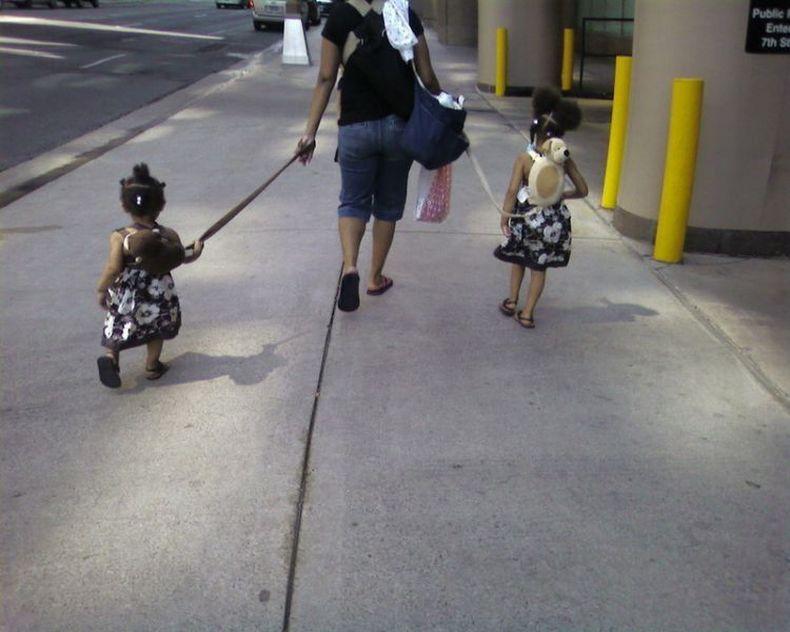 Дети на поводках