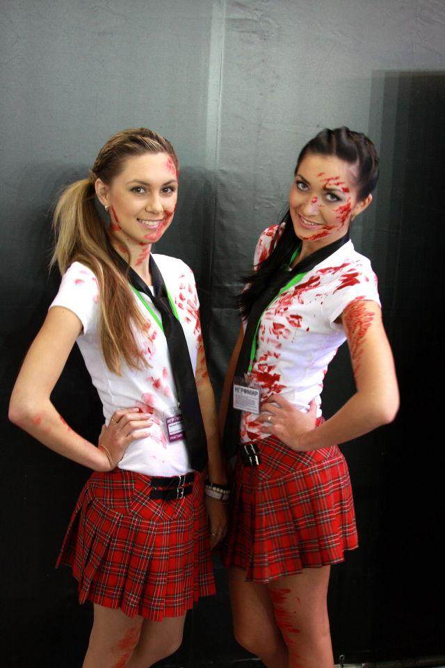 Девушки с выставки ИгроМир 2012