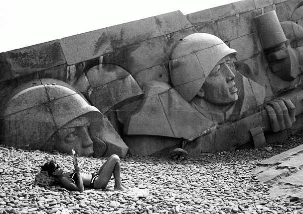 Забавные Скульптуры и Памятники