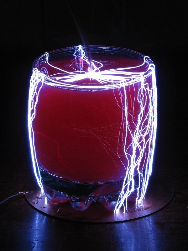 Интересные опыты с электричеством