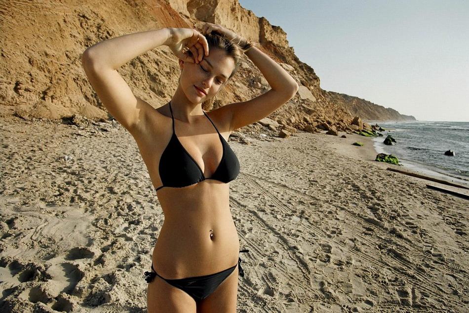 пляж и девушки фото-тн3
