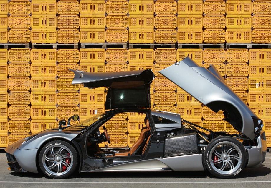 Суперкар за 1,2 миллиона долларов