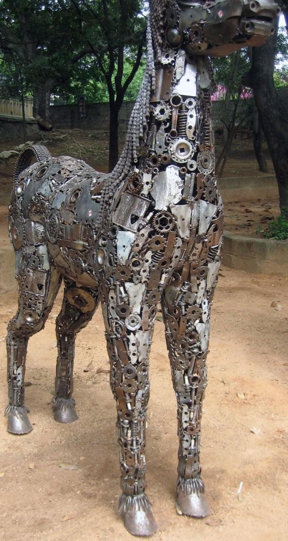 Шикарные Скульптуры из авто деталей
