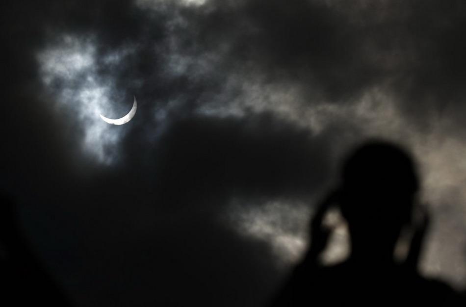 Полное Солнечное затмение над Австралией