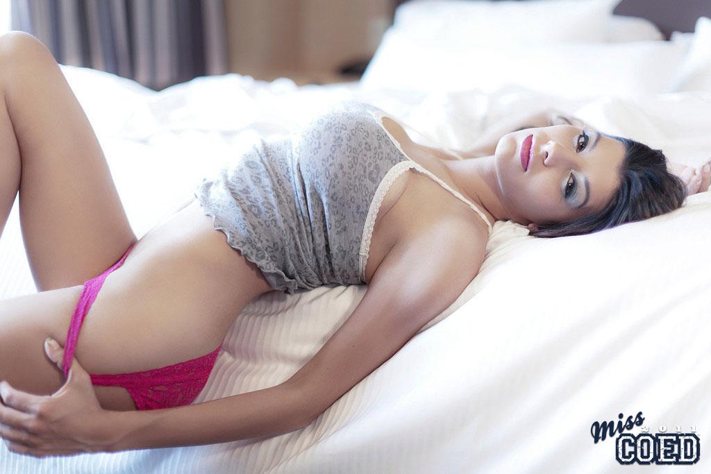 50 самых сексуальных снимков знаменитостей