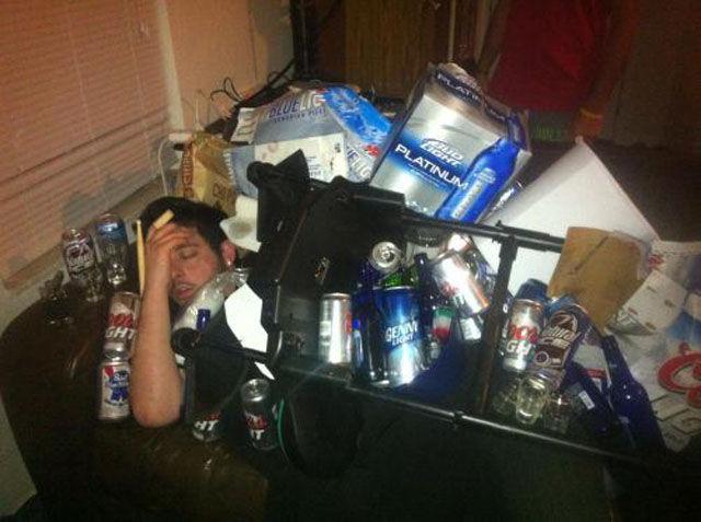Очень пьяные люди