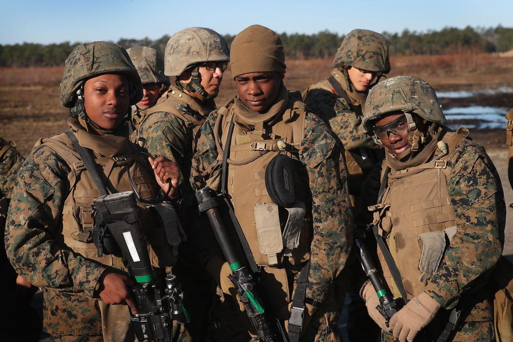Подготовка женщин–морпехов в США