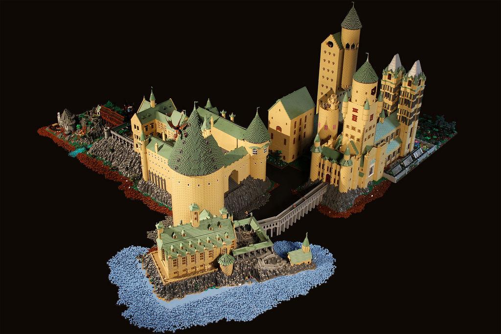 Школа Хогвартса из LEGO