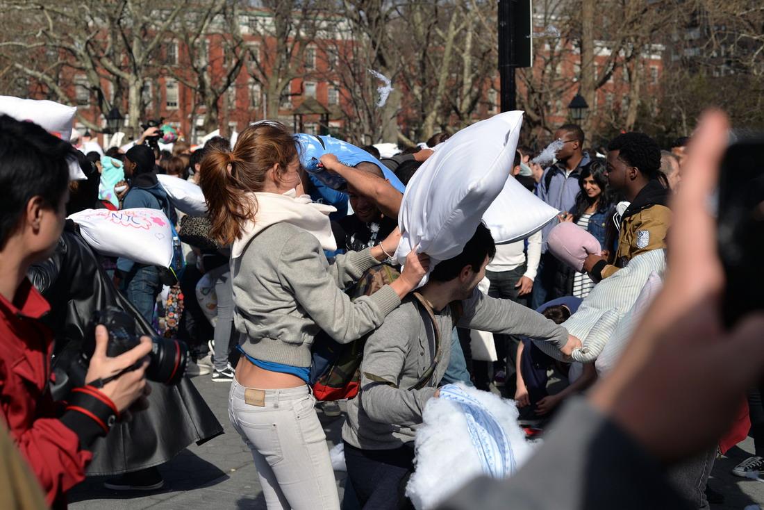 Международный день боя на подушках