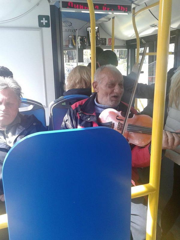 Общественный транспорт в Сербии