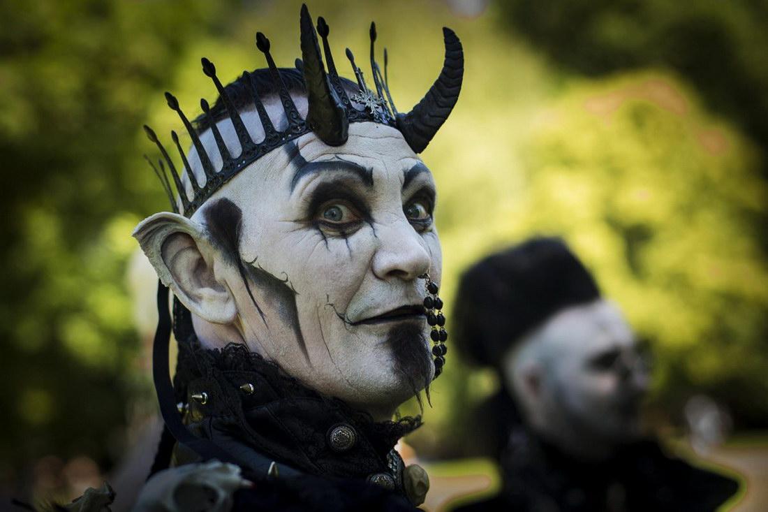 Персонажи и костюмы фестиваля Wave-Gotik Treffen 2014