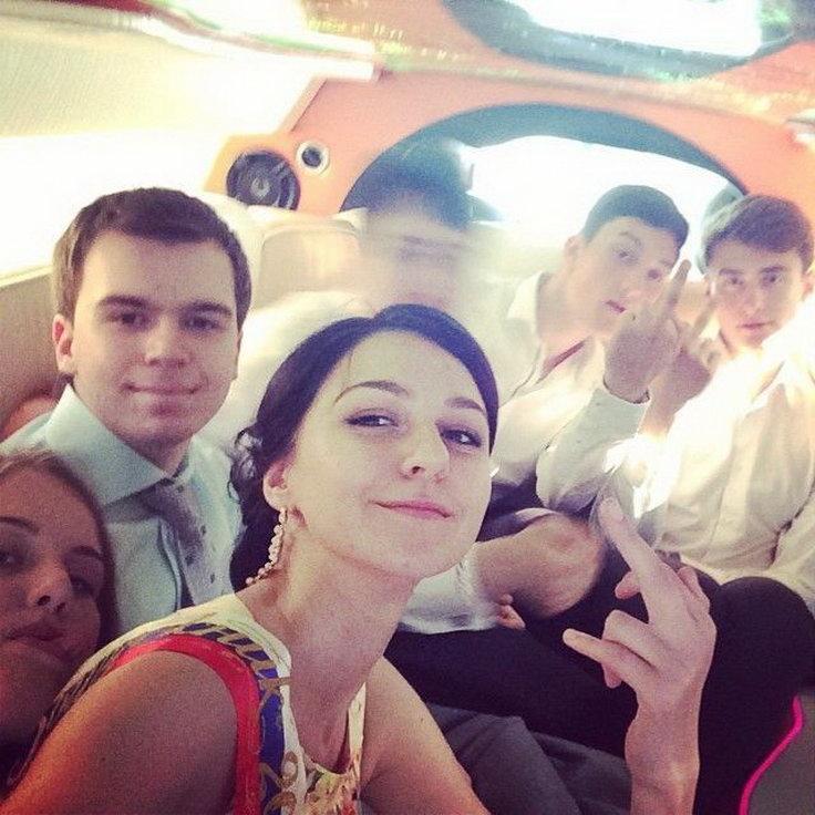Фотографии с выпускного в России из социальных сетей