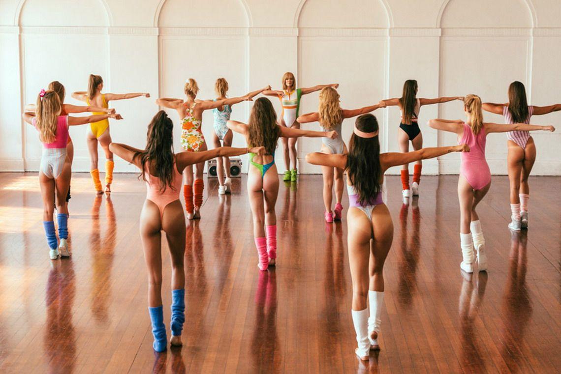 Занятия танцами без трусов