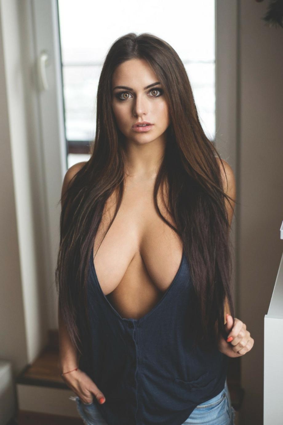 Фото самая большая и красивая грудь у девушек 20 фотография
