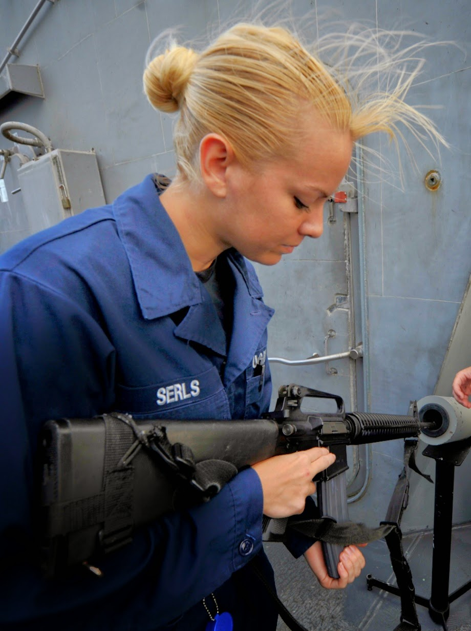 Девушки в армии