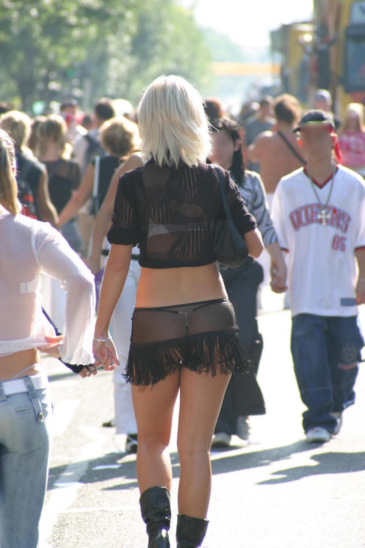 Прозрачная одежда фото девушки в клубе 4 фотография