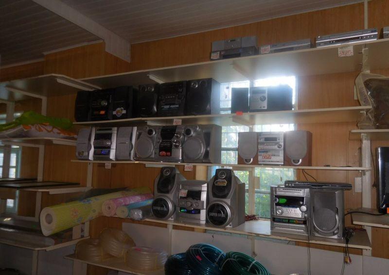 Отдел электроники в сельском торговом центре