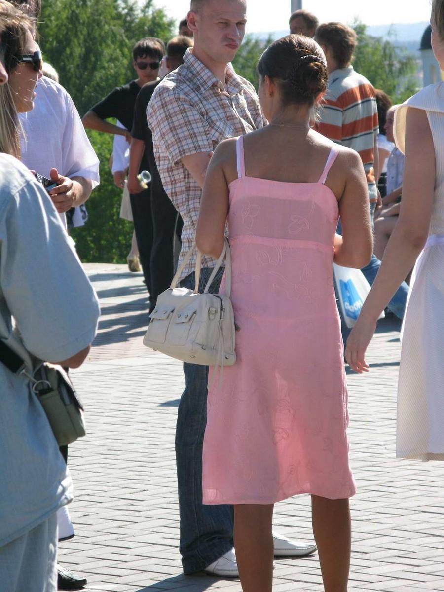 Фото девушек в прозрачной одежде на улице 8 фотография
